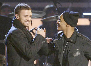 Justin Timberlake & T.I. perform 'Dead And Gone'.