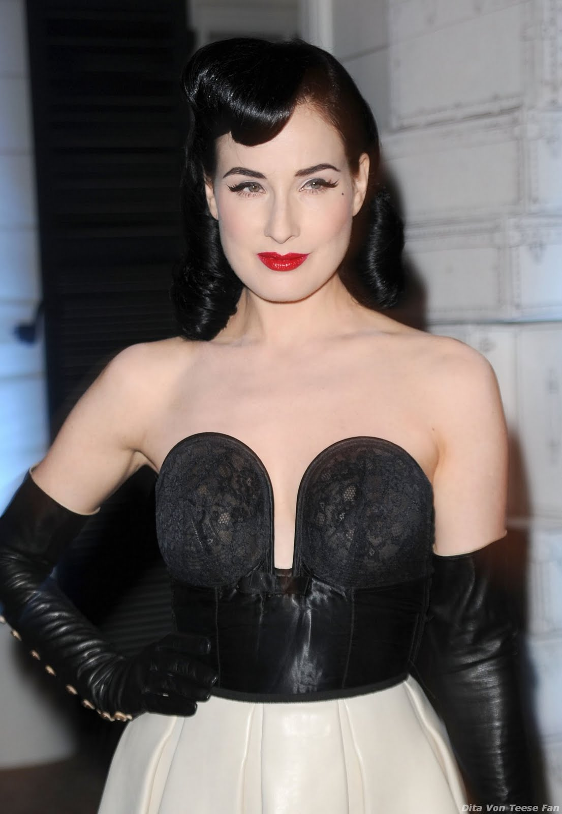 leather fasyen: Dita Von Teese - Leather 14 (UHQ) Dita Von Teese