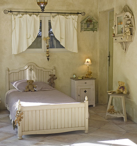 vintage bedroom furniture
