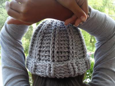 Fácil rapido Y divertido resulto este gorro al crochet , y para