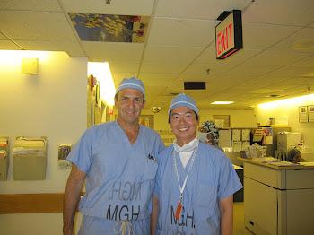 進修期間與哈佛醫學院運動醫學科主任Thomas J. Gill 合影留念