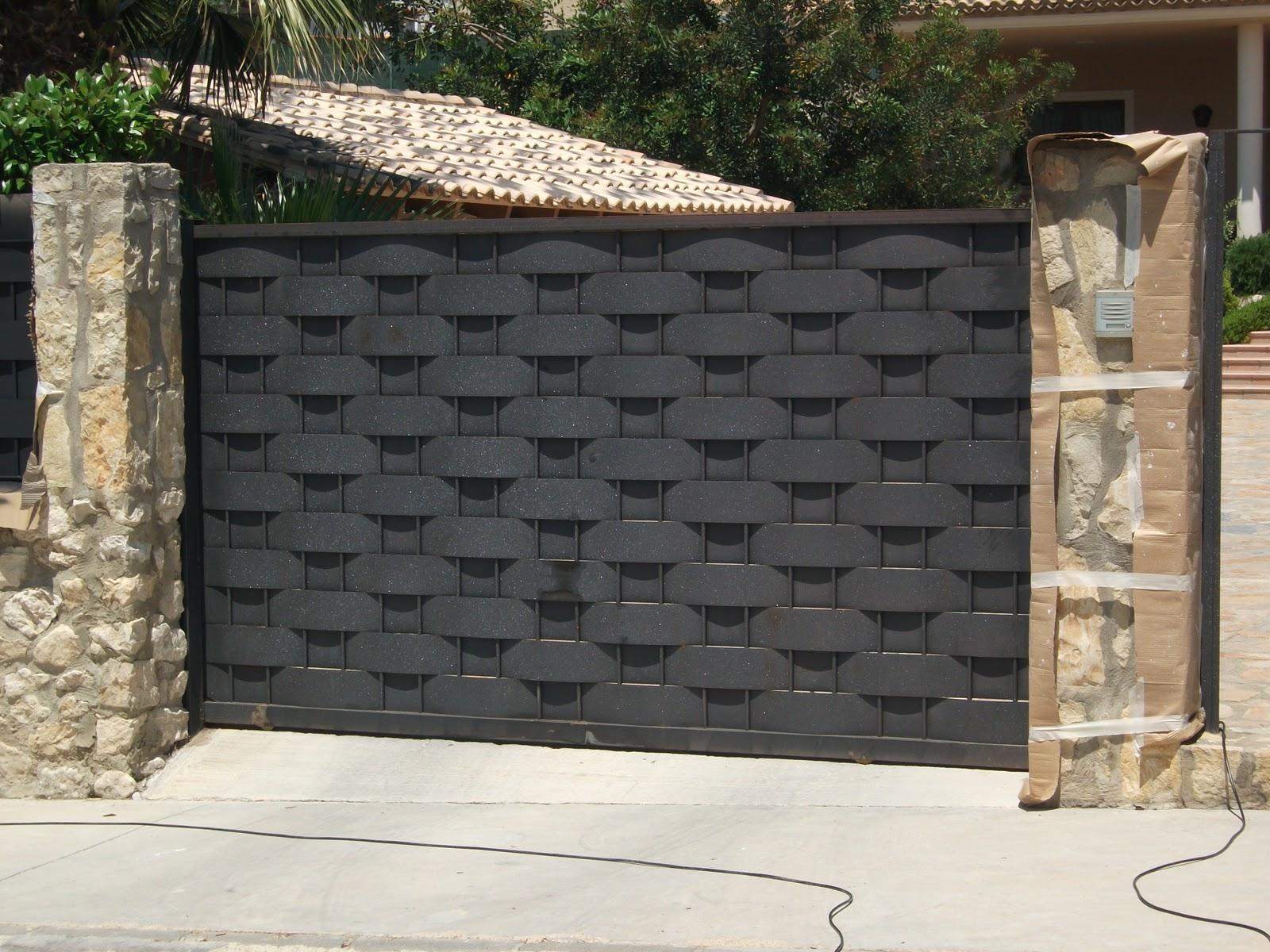 Rejas metalicas con madera - Puertas metalicas jardin ...