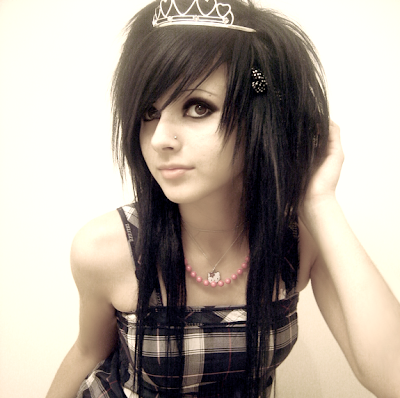Scene girl pretty black hair