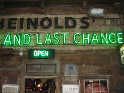 Heinolds first last chance saloon oakland sign