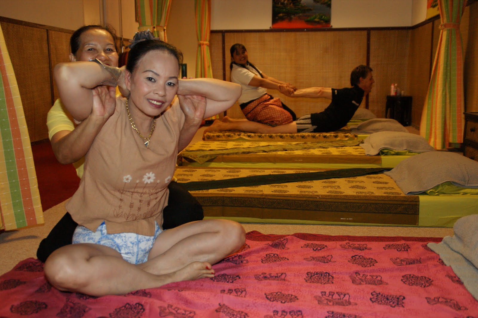 gratis porr gay topless thai massage