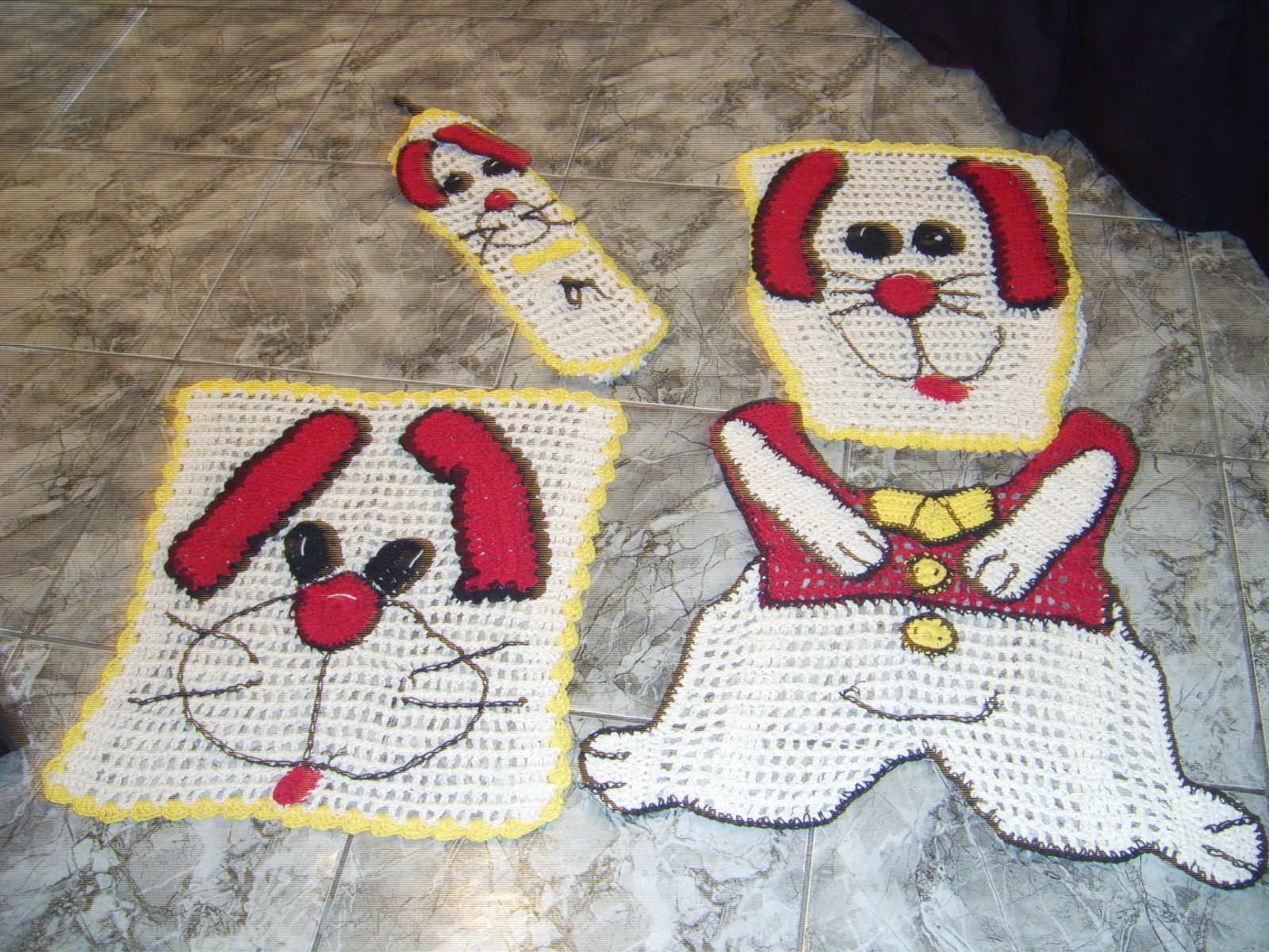 Arte & Crochê: Jogo de banheiro cachorrinho #AA213A 1600x1200 Banheiro De Cachorro