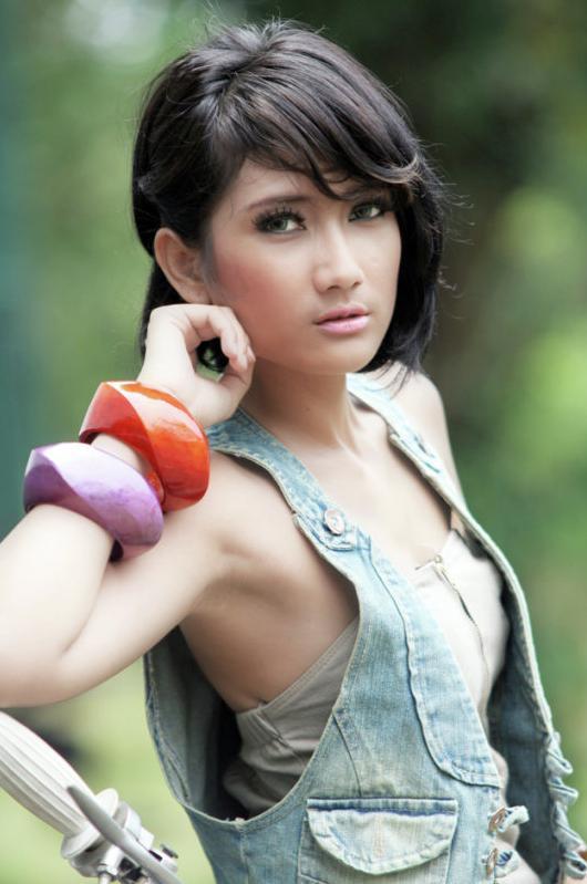 foto gadis indonesia cantik TKqOLw5eIWI
