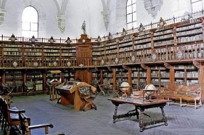 Arquivo da Capela Militar de São Miguel Salamanca_Universidade,_Idade_Media%5B1%5D