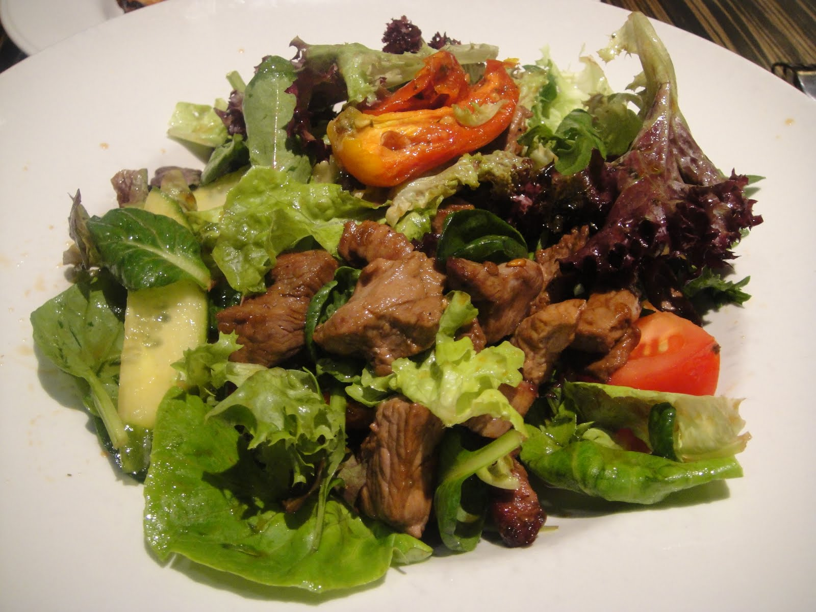 Warm+Beef+Salad+-+dry+beef+strips+on+bed+of+mesculin+salad+w+semidried ...