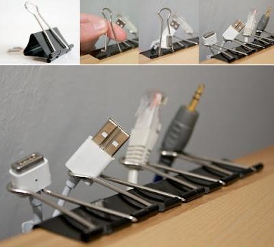 Clips para organizar los cables del escritorio