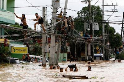Tifón Ondoy en Cainta Rizal, este de Manila