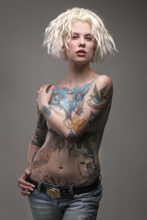 Hot Models Used Blue Jeans Show Her Hot Tattoo