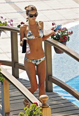 Mirranda Kerr topless