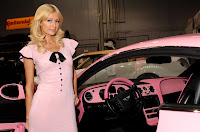 Craciun roz pentru Paris Hilton