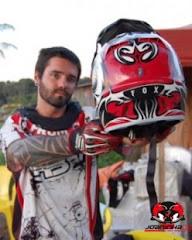 Cyro de Oliveira faz o backflipp