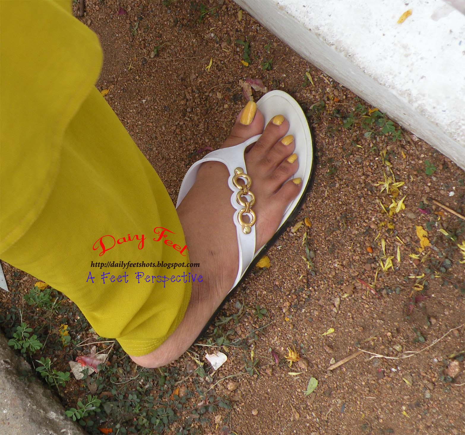 Daily Feet: Yellow Nail Colour and long(est) toenails