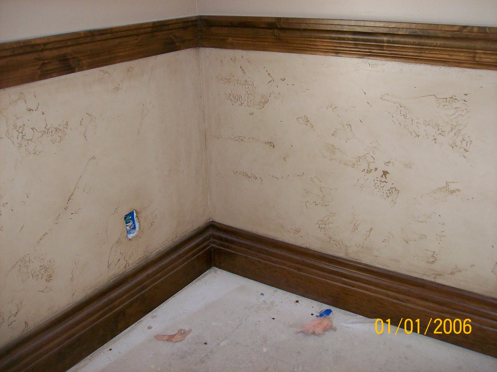 Skyline painting glazed walls with stained trim for Wall paint glaze ideas