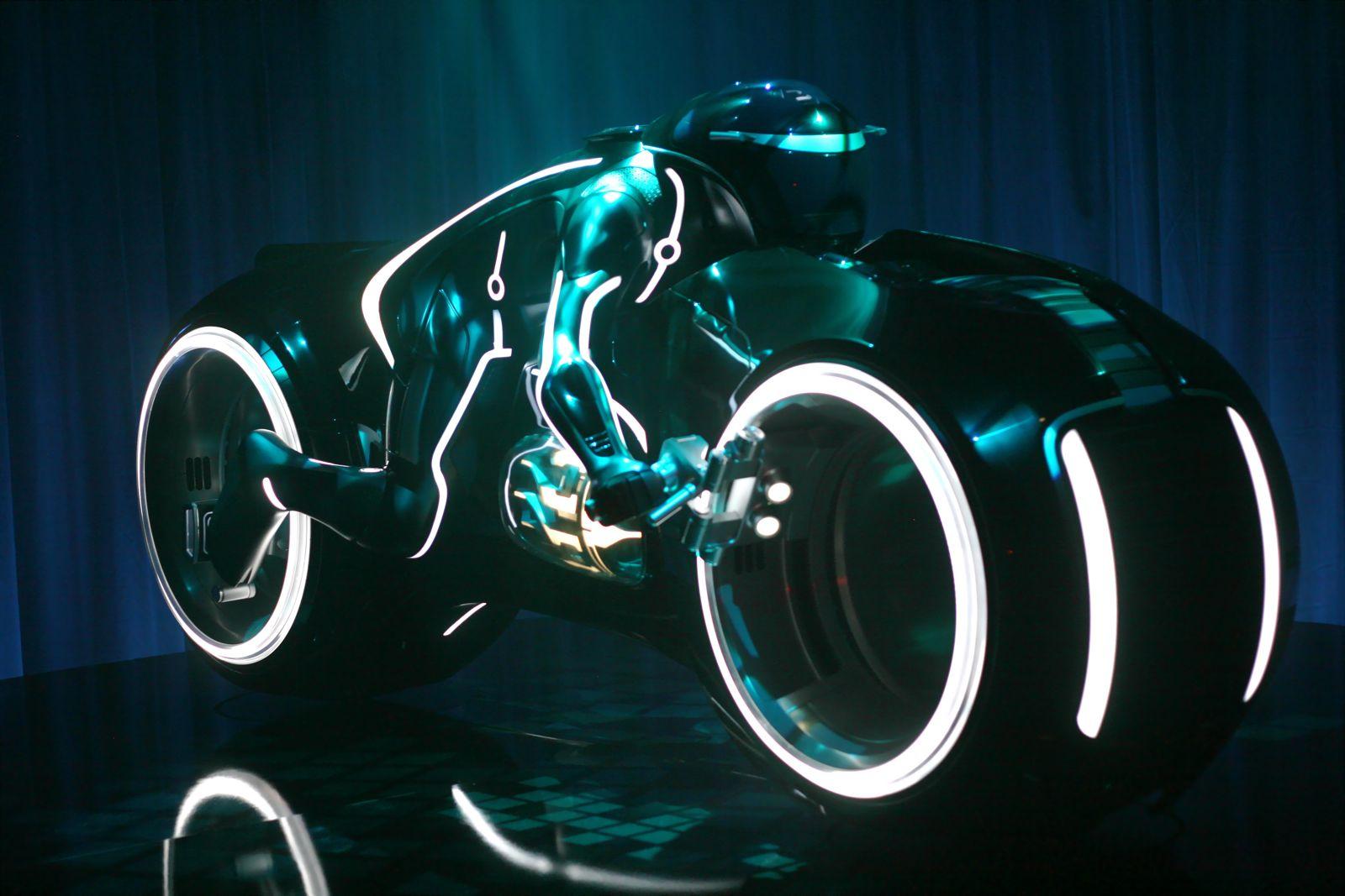 Luton Tron Light Bike