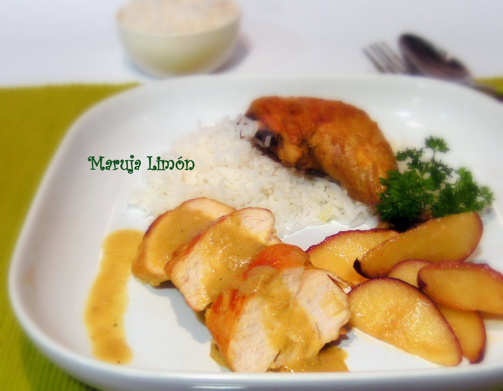 Pollo al curry con arroz basmaty