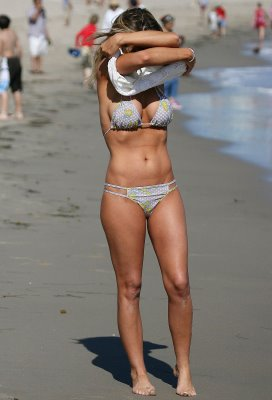Carmen Electra bikini picture