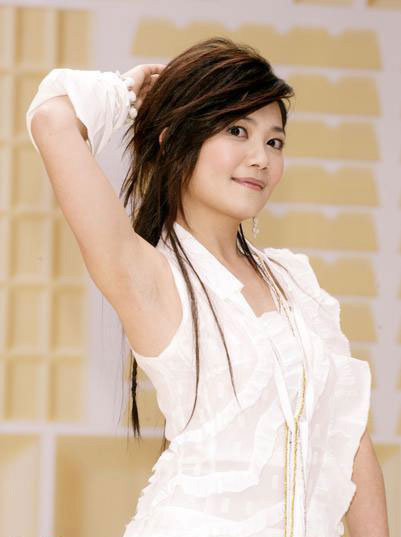 Fish Leong sexy actress gallery