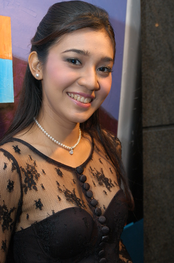 Dhini Aminarti Indonesia Beautiful Actress