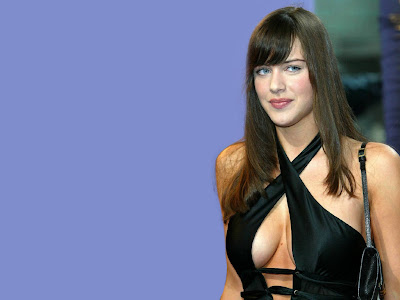 Michelle Ryan black photos