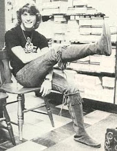 Andy Gibb in a shoe store