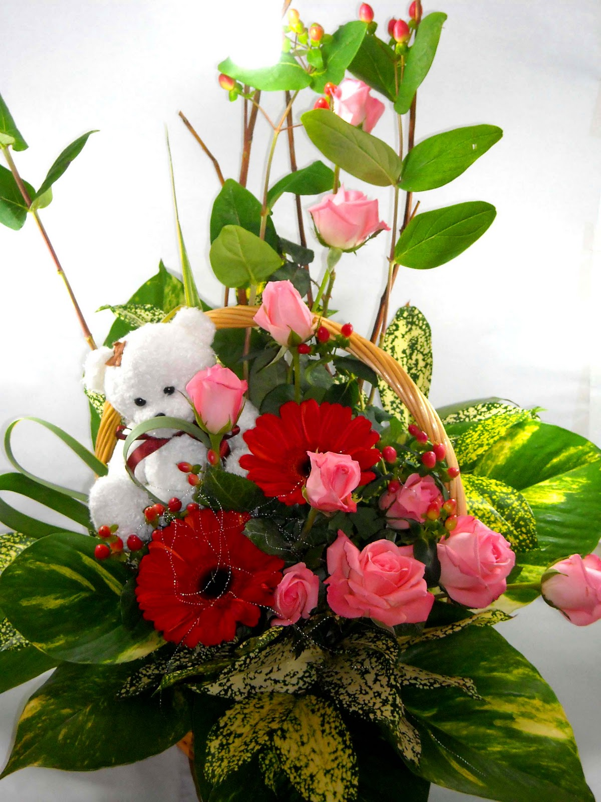 Pretty Pompoms Florist Flower basket