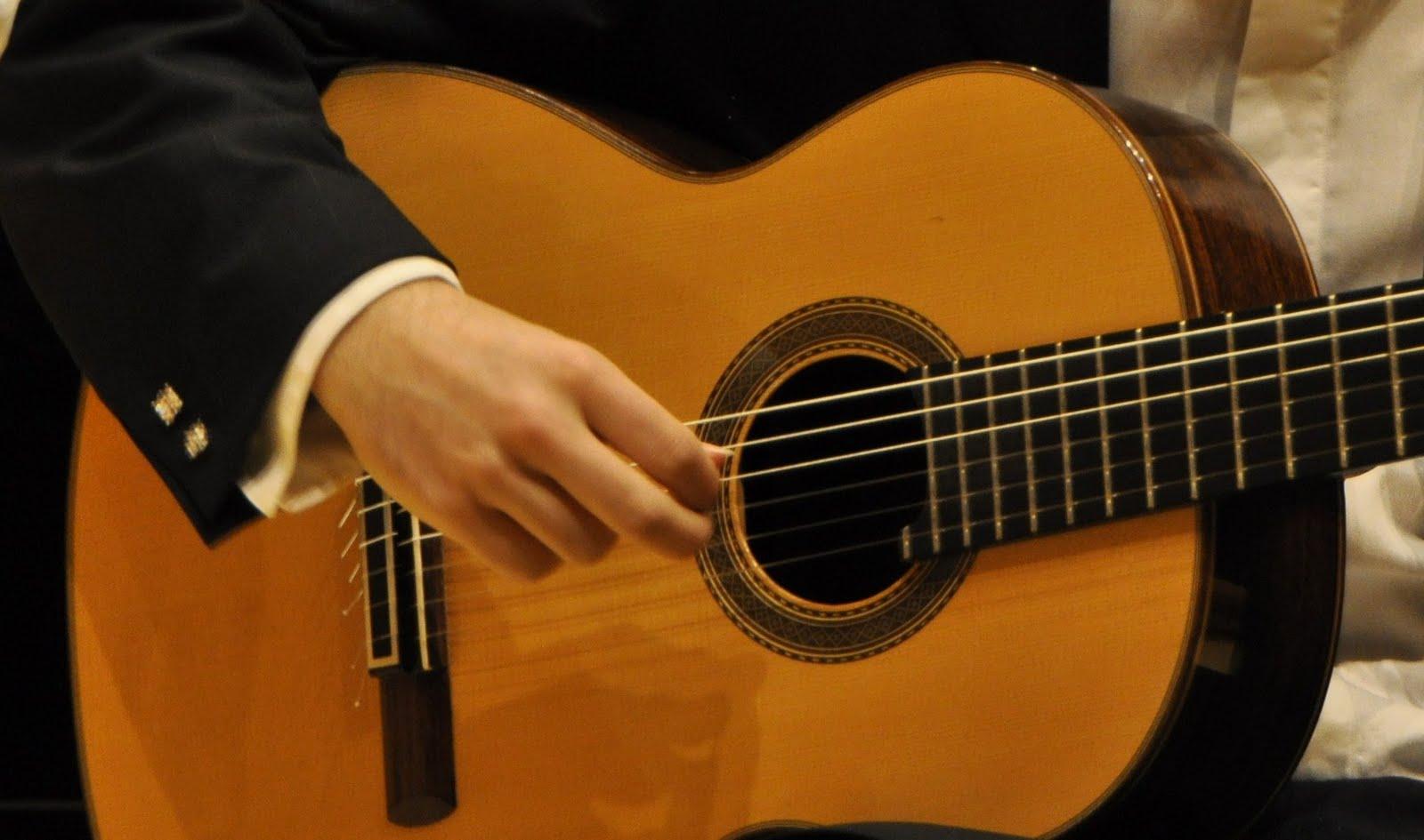 Eduardo inestal guitarrista la guitarra espa ola es el for Guitarras la clasica