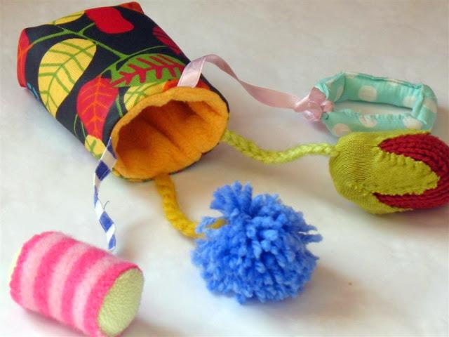 Игрушки для 8 месячного ребенка своими руками