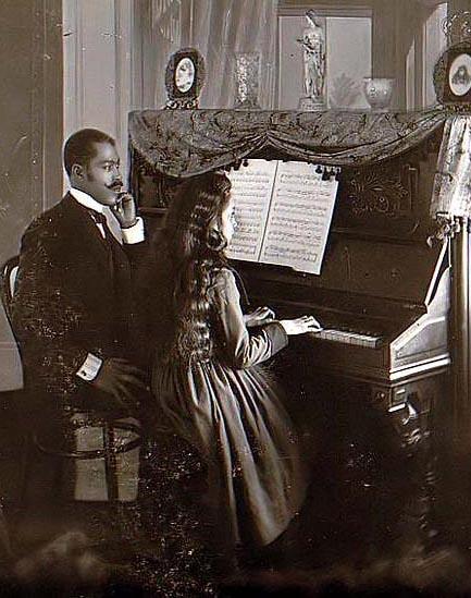 [piano-lessons.jpg]
