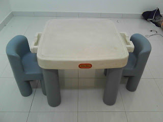 mybundletoys little tikes table with 2 chairs. Black Bedroom Furniture Sets. Home Design Ideas