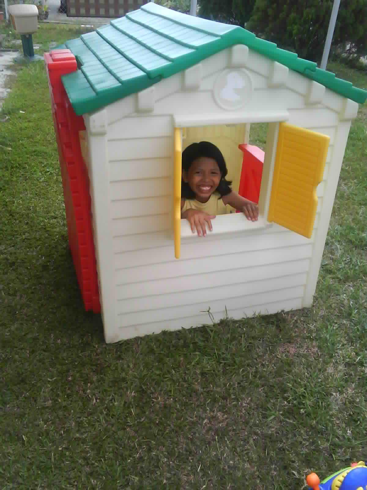 Mybundletoys little tikes classic playhouse for Little tikes house
