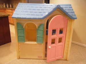 It even comes with beautiful heart designs, to further enhance the sweetheart theme, both at the top and the bottom of the door. The playhouse is illuminated by sunlight through a spacious skylight on the roof, and even though the colors are a stretch from the typical playhouse, the textured roofing, and the brick siding are some of the realistic features it has.