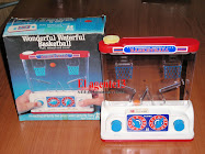 "JUEGO DE AGUA DOBLE WONDERFUL WATERFUL ""BASKETBALL"".TOMY - TOP TOYS."