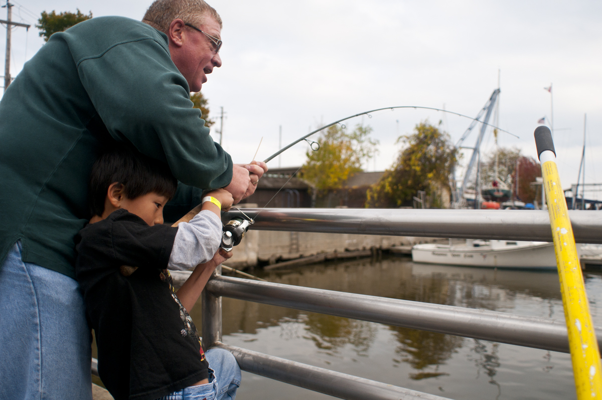 Great lakes angler milwaukee area salmon fishing report for Milwaukee river fishing report