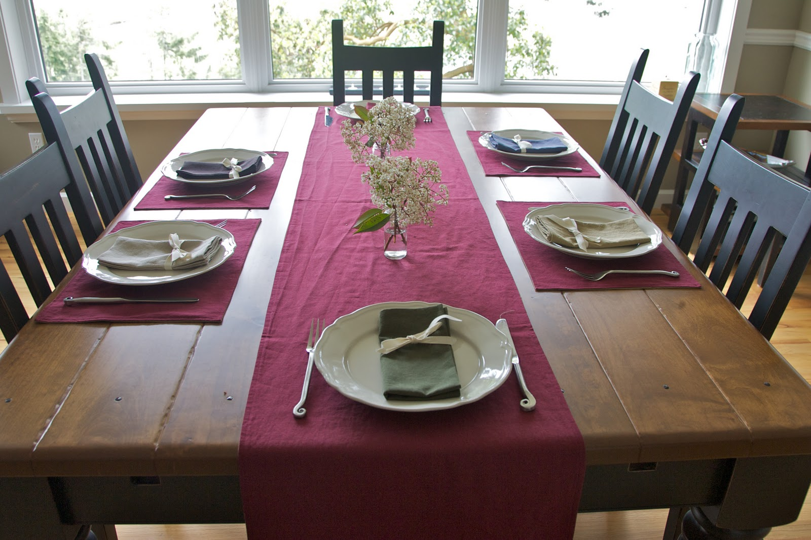 Dining table runners and placemats - Dining room table mats ...