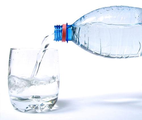 اكتشف أن الماء ملوث واحصل على هدية قد تصل لـ 6000 شيكل!! Bottled-water