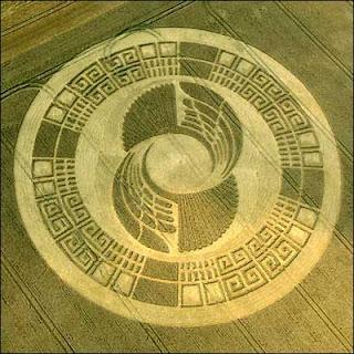 http://2.bp.blogspot.com/_4A9r9yKkkNs/ST534aAUYVI/AAAAAAAABmQ/x4ylEjqOVms/s320/CropCircle-2012-Mayan-Calendar.jpg