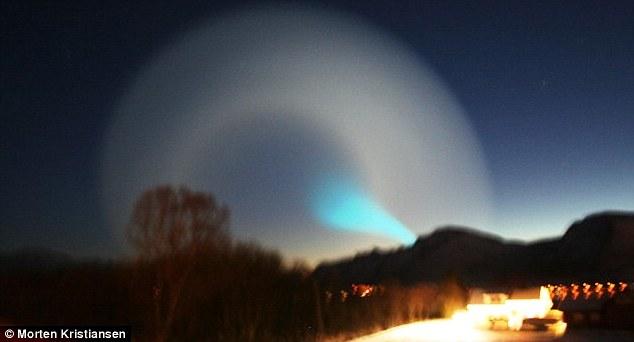 [Blue+Spiralling+UFO+Over+Norway.jpg]