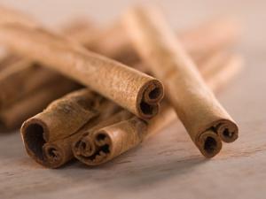 Manfaat kayu manis bagi kesehatan.