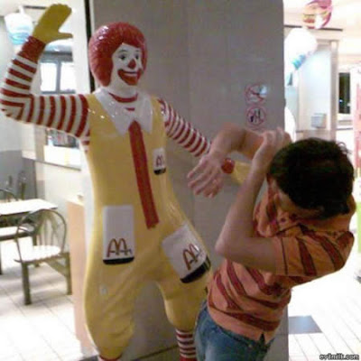 Some Funny Banned Ronald McDonald Pictures (Funny pics)