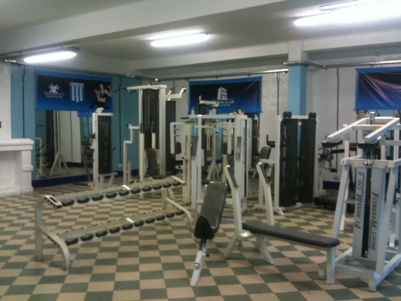 Racing inauguro su propio gimnasio en capital mangakd for Gimnasio 30 minutos