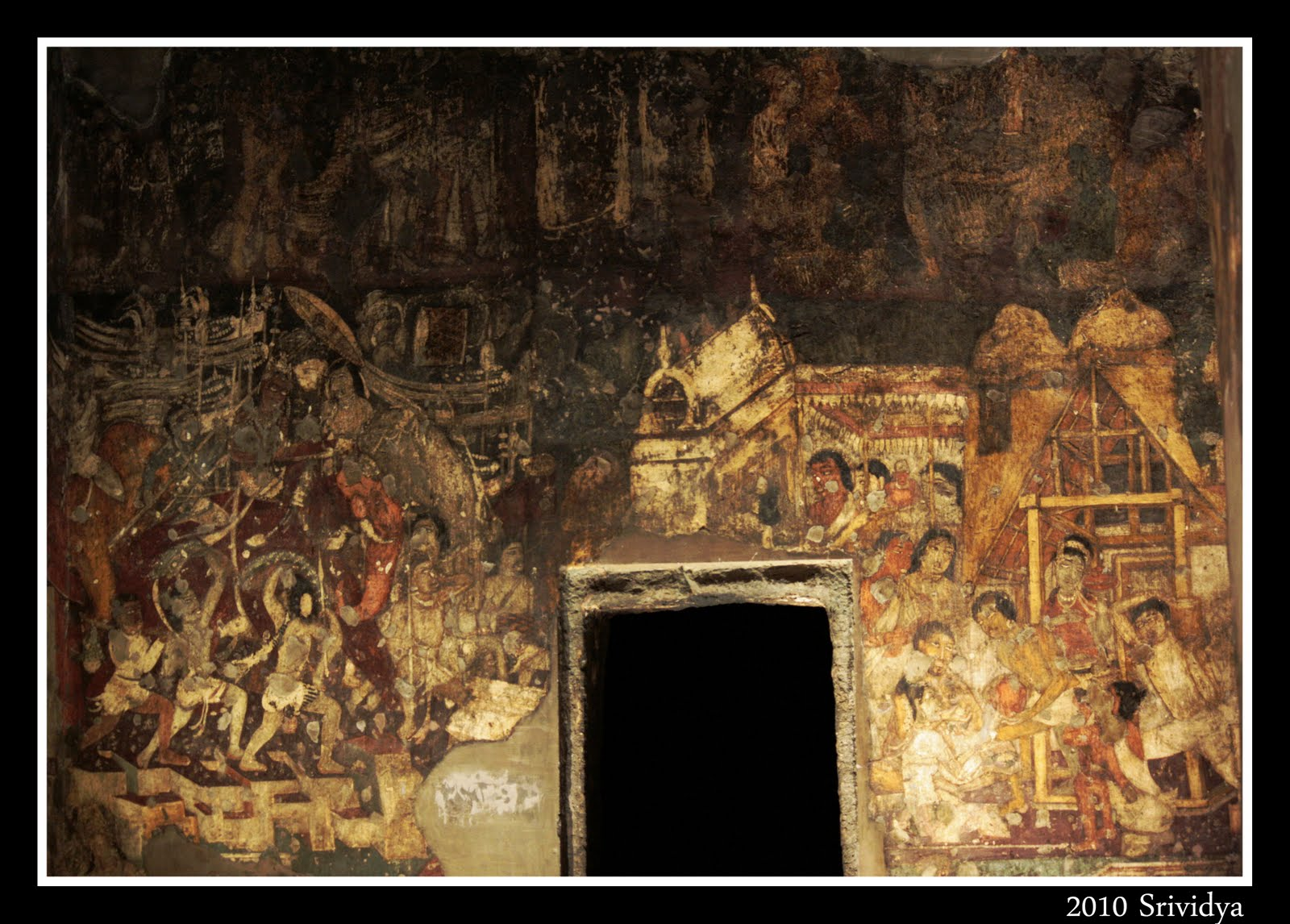 ajanta paintings The paintings and sculptures of ajanta, considered masterpieces of buddhist religious art, have had a considerable artistic influence source.