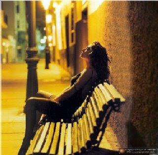 Estoy atrapada en esta soledad.