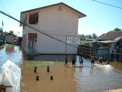 Sekolah Terkena Banjir di Riau