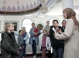 masjd3 Gambar2 Pencemaran Masjid di Dunia   Termasuk Syeikh Azhar!