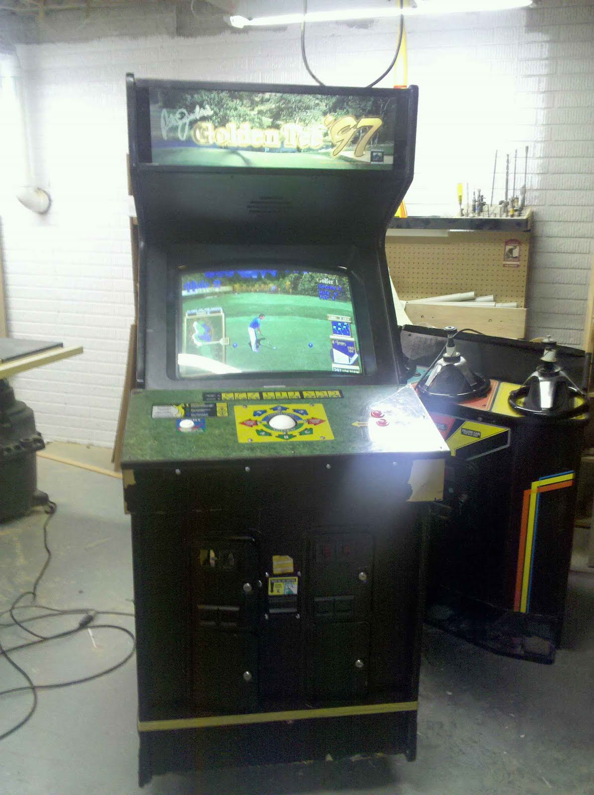 Golden Tee Cabinet Philips Tech Corner Golden Tee 97 A New Project For The Arcade