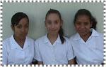 Mariel, Pamela y Jazmín de 5º A